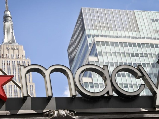 Macy's sends ominous signal for retailers in 2Q