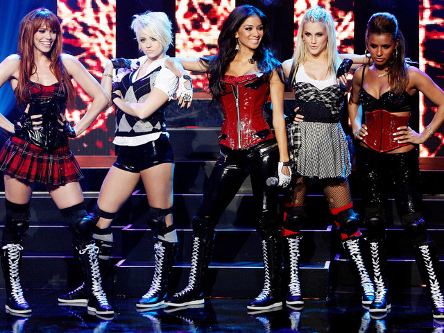 Nicole Scherzinger reunites with Pussycat Dolls on the UK's 'X Factor'