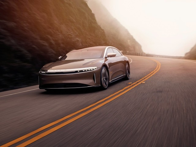 The Lucid Air Officially Takes Down The Tesla Model S To Become The 'Longest Range' EV With An EPA-Rating Of 520 Miles!