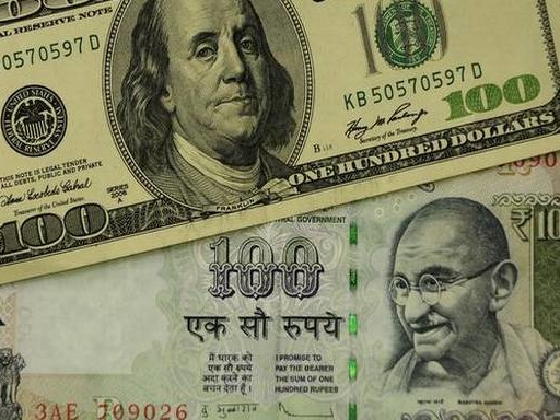 Rupee slips 8 paise to 71.89 against USD in early trade