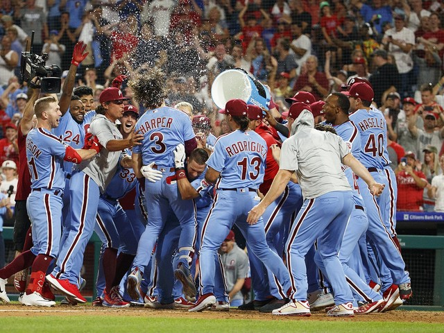 Bryce Harper's grand slam caps Phillies' six-run ninth