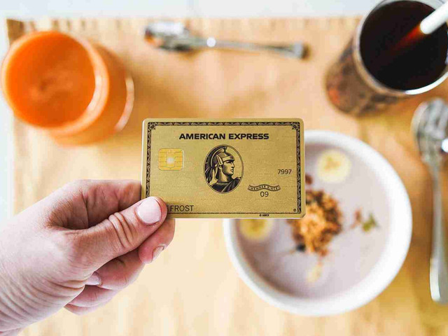 These 5 credit cards basically put money in your pocket – and they're perfect for newbies