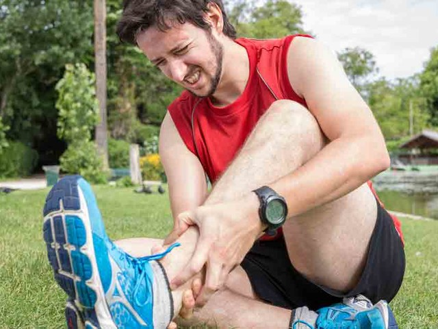 Sprain Versus Strain: What's the Difference?