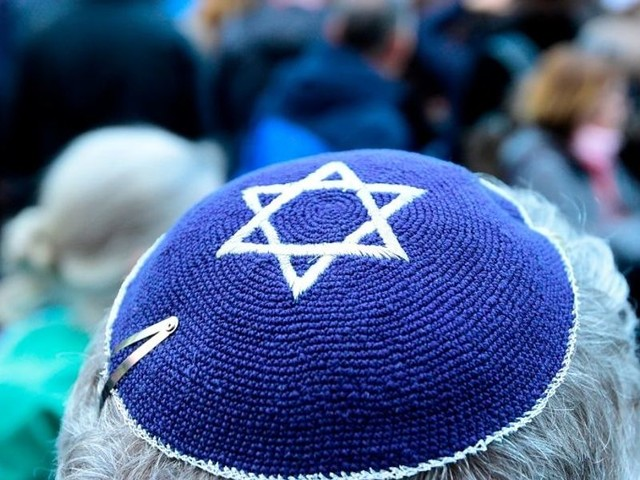 President Trump to combat anti-Semitism with new executive order protecting Jews on college campuses