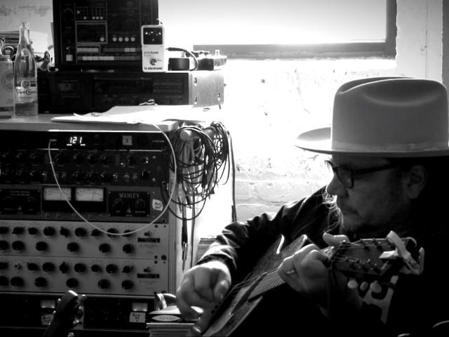 Wilco Shares 'Before Us' Video & Celebrates 25th Anniversary In Kansas City