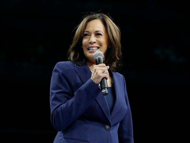 "Kamala Harris Reminds Democrats ""Justice Is On The Ballot"" With Fiery Speech"