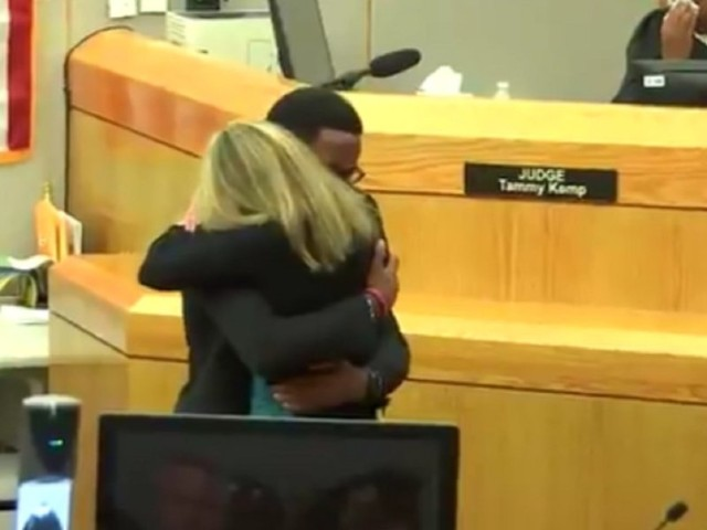 Victim Botham Jean's brother forgives convicted ex-officer for killing, embraces her at sentencing