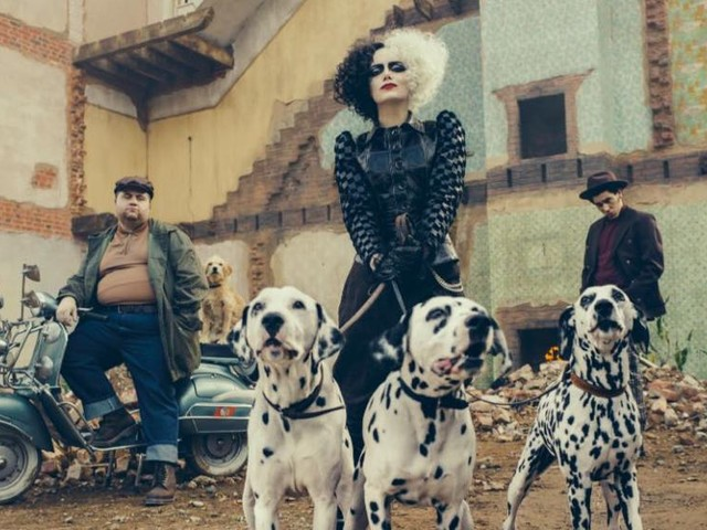 A First Look at Emma Stone Playing Cruella de Vil