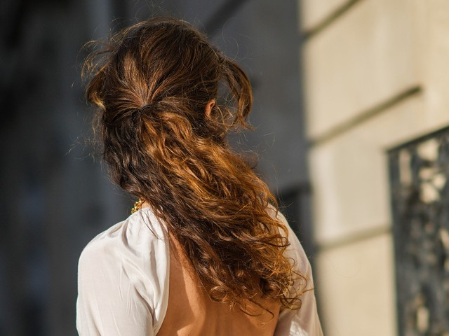 3 Transitional Hairstyle Trends For Late Summer & Early Fall