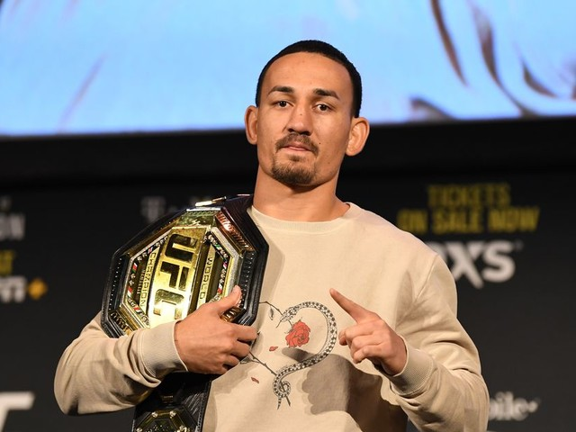 UFC 245's Max Holloway would 'love' to fight Floyd Mayweather Jr.