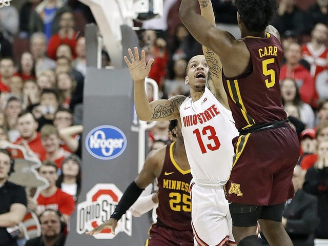 Marcus Carr's three-pointer gives Gophers a rare win at Ohio State