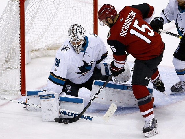 Sharks top Coyotes to end three-game skid