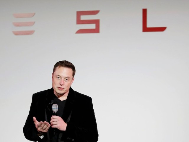 Elon Musk and the SEC reach agreement requiring him to have an 'experienced securities lawyer' pre-approve his tweets about Tesla's business (TSLA)