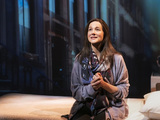 Review: Laura Linney Triumphs in 'My Name Is Lucy Barton'