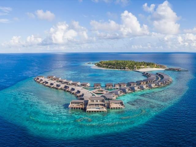 The St. Regis Maldives Vommuli Resort Announces Plans to Reopen its Doors