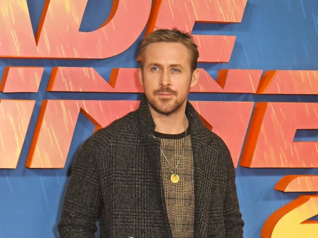 Ryan Gosling Gets Stopped by Security in 'Saturday Night Live' Season Premiere Promo -- Watch!
