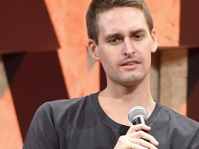 Amid Snap's struggles as a public company, CEO Evan Spiegel gives this advice to founders: 'Don't go public' (SNAP)