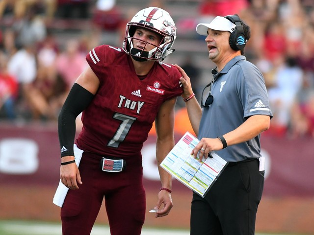 Neal Brown agrees to become next coach at West Virginia