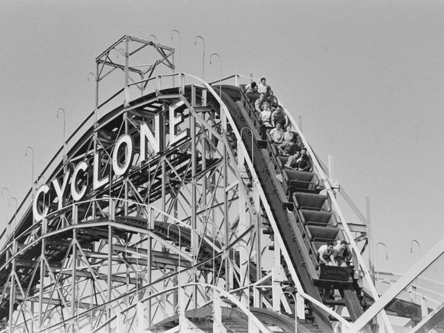 25 Amusement Parks Then and Now