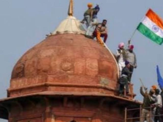 Modi Reform Backlash Sparks Chaos In New Delhi As Farmers Attack Police