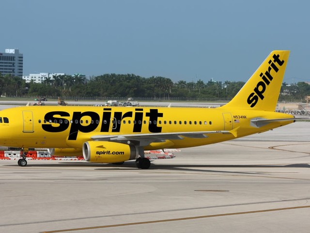 New Jersey family temporarily kicked off Spirit flight after toddler eats without mask
