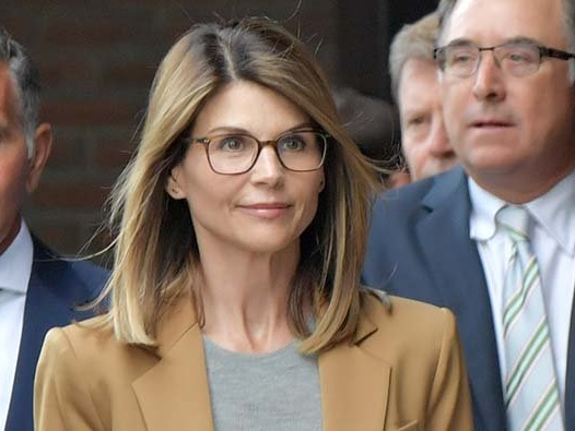 Lori Loughlin Fleeing The Country To Escape Prison Time?