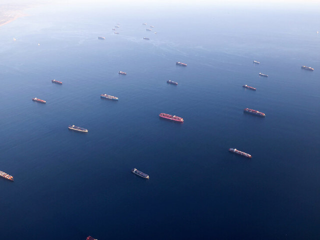 Record Number of Cargo Ships Await Off the California Coast