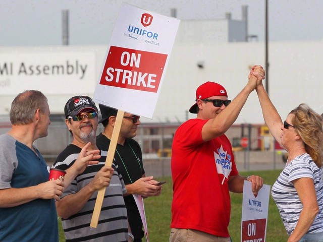 Ontario GM Plant Reaches Deal With Workers After 4-Week Strike