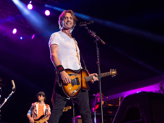 Chicago and Rick Springfield are coming to The Woodlands