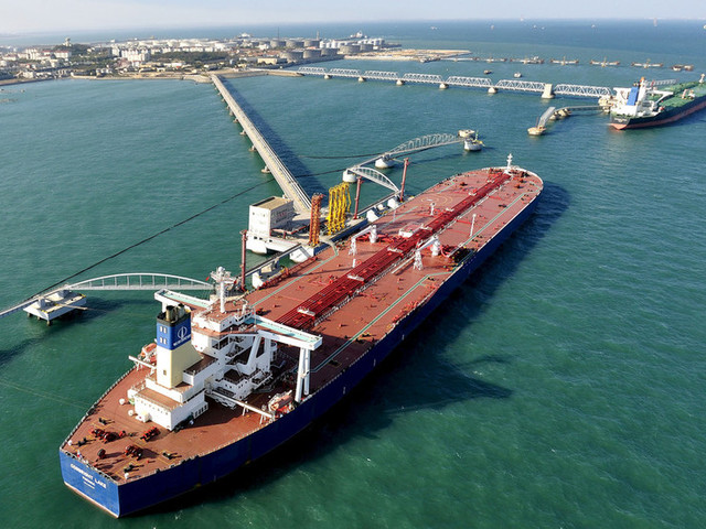 China continues importing Iranian oil in defiance of US sanctions