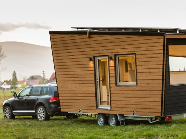 Tiny House vs. RV – Which One is Right for You?