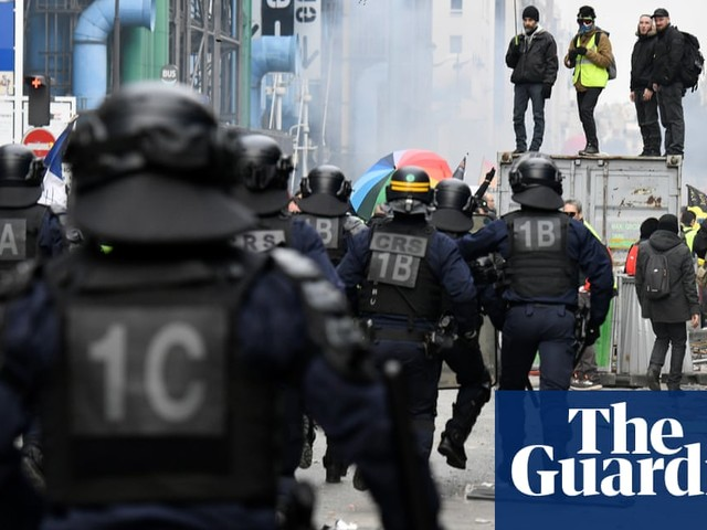 Paris protesters clash with police over pension reform