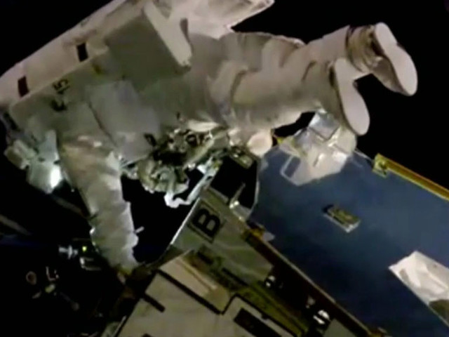 US Astronauts Perform First All-Female Spacewalk