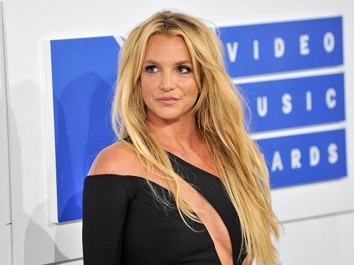 Britney Spears Getting Flabby From Junk Food Habit?