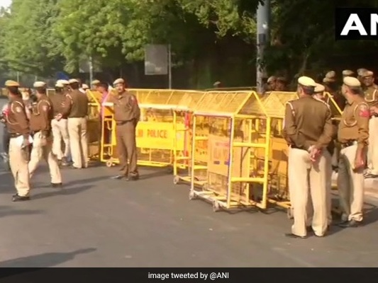 Heavy Police Presence Outside JNU Ahead Of Protest March To Parliament