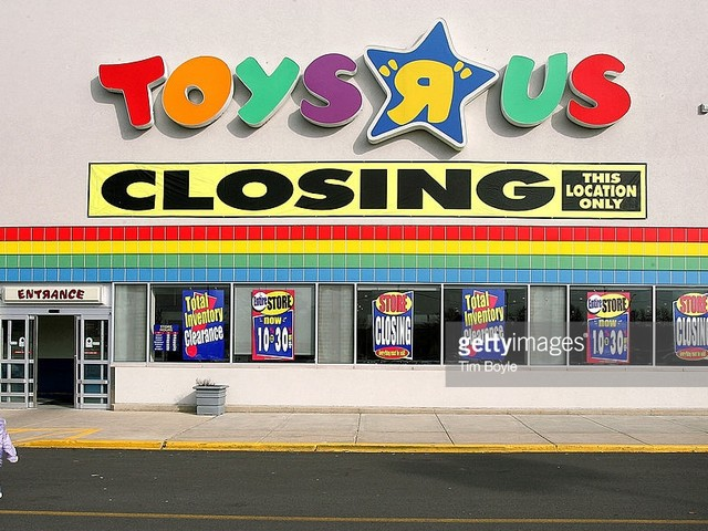 """Facing Imminent Bankruptcy, Toys """"R"""" Us Enters Death Spiral"""