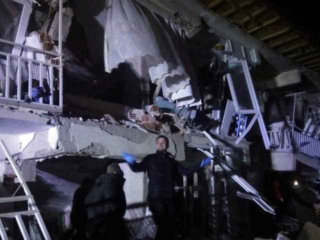 18 dead, 550+ injured & many trapped under rubble after Turkey 6.8 earthquake 'felt all the way to Tel Aviv' (PHOTOS, VIDEO)