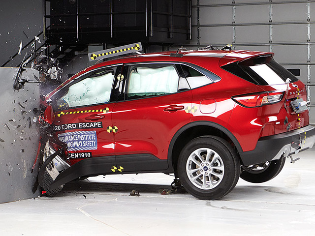 Ford Escape, Lincoln Corsair earn safety awards