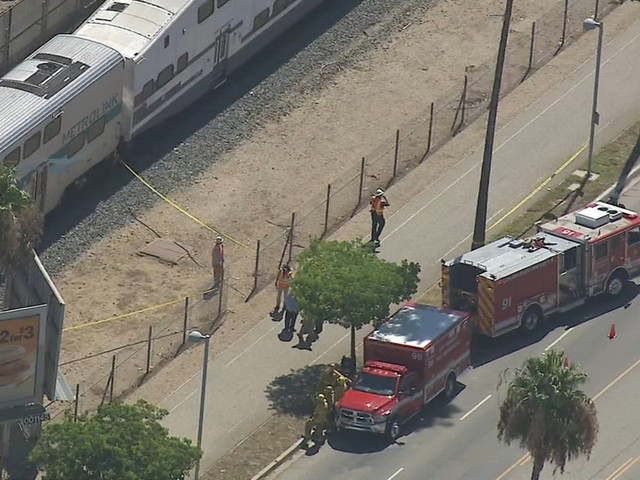 Metrolink train fatally strikes person on tracks in Sylmar; Antelope Valley line partially closed