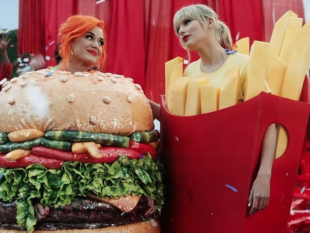 "Katy Perry's Hamburger Costume Has Us Wondering When the Heck the ""You Need to Calm Down"" Video Was Filmed"