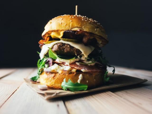 30 Celebrity Chefs' Favorite Burger Recipes