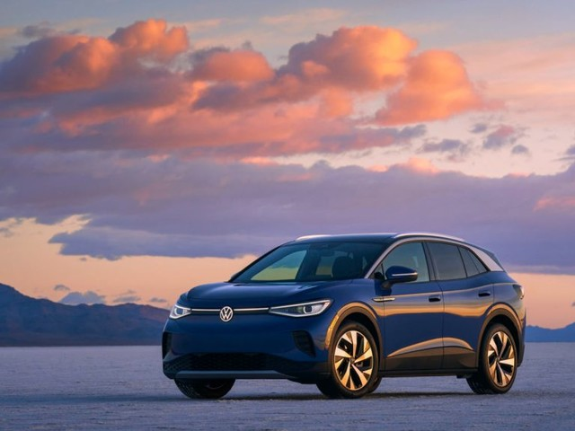 EV Searches up to THIRTY Times More Likely to Result in a Sale Compared with Petrol/Diesel