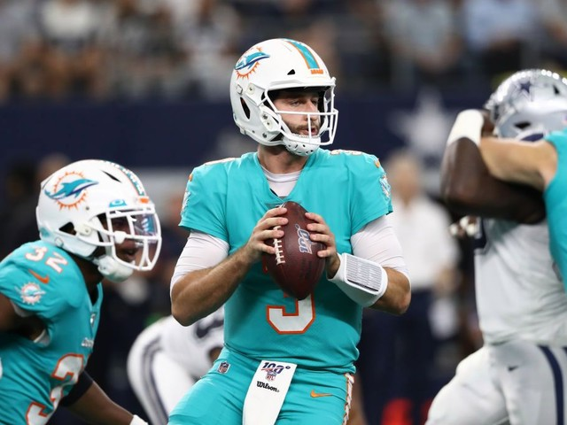 Cowboys Get Out Of Funk, Ease Past Dolphins 31-6