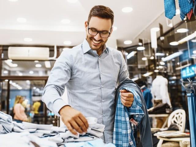 Survey: Men Outpacing Women in Online, Offline Shopping