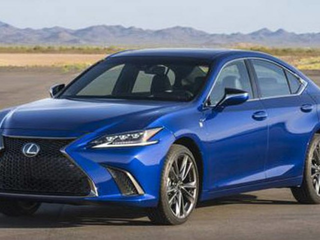 Lexus upgrades its long-running ES line for 2019 with new chassis, tech features