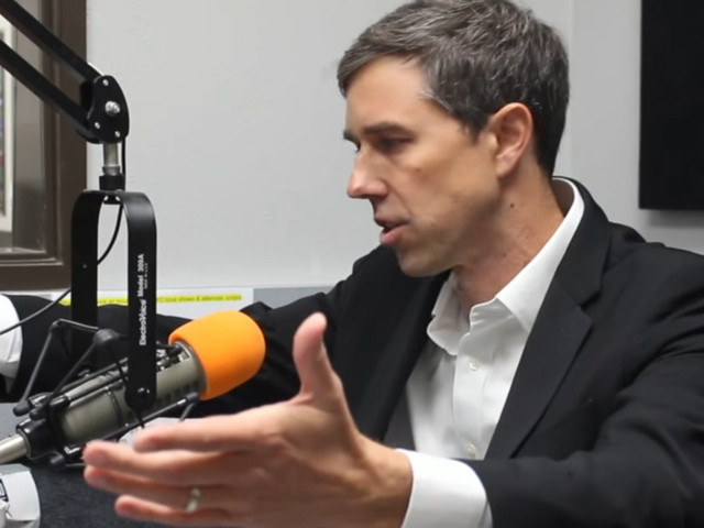Beto O'Rourke calls AR-15s 'weapons of war,' but says people should be allowed to keep them