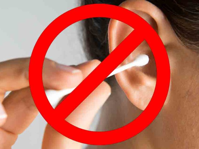 How to clean your ears without a cotton swab