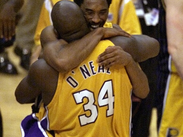 Shaquille O'Neal reacts to Kobe Bryant's death: 'Sick right now'