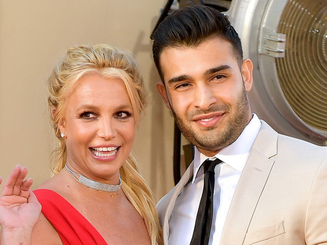 Britney Spears Is Not Engaged to Sam Asghari, Despite Ring on That Finger!
