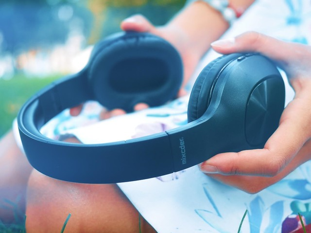 Review: For less than $20, the Mixcder wireless headphones's flaws are forgivable